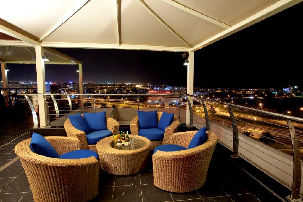 Sama Terrazza Rooftop Lounge At Park Inn By Radisson Muscat